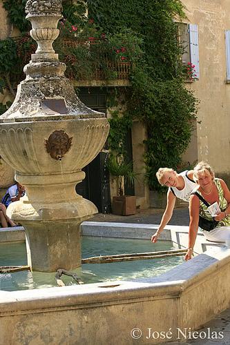 fontaine de Venasque par jose nicolas photographe