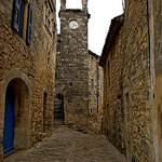 Ruelle de pierres à Lacoste en Provence par patrickd80 - Lacoste 84480 Vaucluse Provence France