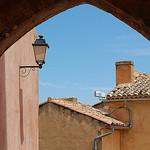 Ruelle à Rousillon par Gatodidi - Roussillon 84220 Vaucluse Provence France