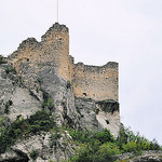 Vestiges du Château des Evêques par L_a_mer - Fontaine de Vaucluse 84800 Vaucluse Provence France