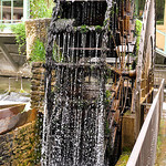 Roue à eau - Fontaine de Vaucluse by L_a_mer - Fontaine de Vaucluse 84800 Vaucluse Provence France