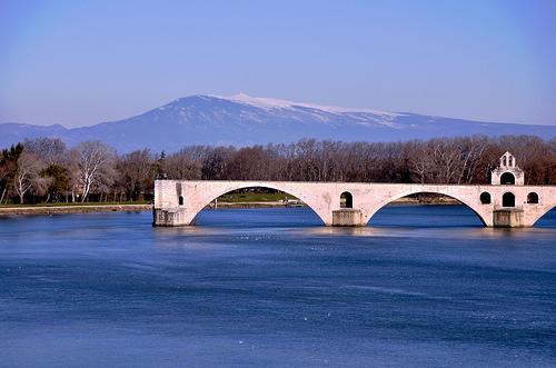 Le pont d'Avignon et le Mont-Ventoux by Laurent2Couesbouc