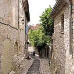 Ruelle de Vaison-la-Romaine par L_a_mer - Vaison la Romaine 84110 Vaucluse Provence France