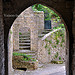 Ruelle et arche  Vaison-la-Romaine par  - Vaison la Romaine 84110 Vaucluse Provence France