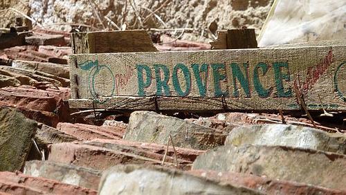 Marché de Provence : cajots de fruits par clementbecle