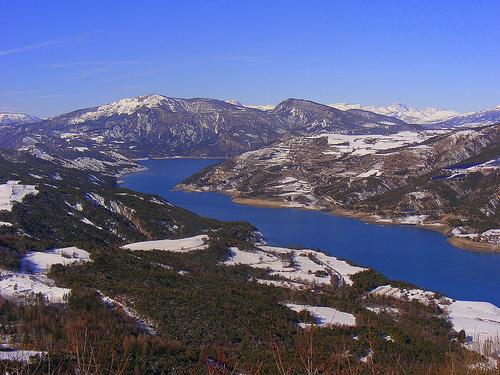 Lac de Serre-Ponçon en février par Super.Apple