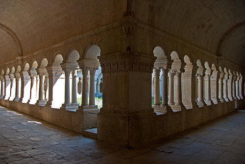 Senanque abbaye by GUGGIA