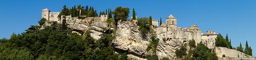 Vaison-la-Romaine : colline du château par Young Crazy Fool