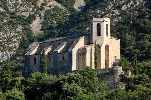 Eglise d'Oppède-le-vieux by Aschaf