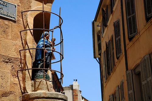 Statue de la vierge à Aix-en-Provence by Aschaf