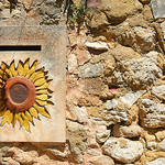 Tournesol by Queen Dot Kong - Roussillon 84220 Vaucluse Provence France