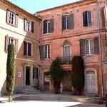 Place principale de Roussillon par jackie bernelas - Roussillon 84220 Vaucluse Provence France