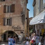 Dans les rues de Gordes by Patrick Car - Gordes 84220 Vaucluse Provence France