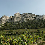 Le sommet des Dentelles de Montmirail par  - Suzette 84190 Vaucluse Provence France