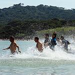 Tous à l'eau ! Sur la plage de Porquerolles par  - Porquerolles 83400 Var Provence France