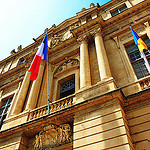 Mairie d'Arles et les 3 drapeaux par 6835 - Arles 13200 Bouches-du-Rhône Provence France