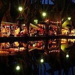 Marché nocturne à Cucuron par catycaty56 - Cucuron 84160 Vaucluse Provence France