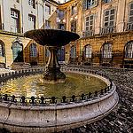 Fontaine d'Albertas - Dans la cour de l'Hôtel d'Aix en Provence par pierre.arnoldi - Aix-en-Provence 13100 Bouches-du-Rhône Provence France