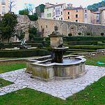 Château d'Entrecasteaux : fontaine et jardin à la Française by nevada38 - Entrecasteaux 83570 Var Provence France