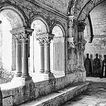 Expo Mon île de Montmajour - Christian Lacroix  - Abbaye de Montmajour par  - Fontvieille 13990 Bouches-du-Rhône Provence France