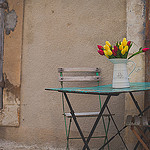 Table à tulipes by Dri.Castro - Lourmarin 84160 Vaucluse Provence France